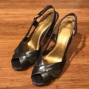 Joan & David heels • olive/brown • 8M